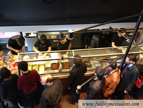 chipotle_queue_3